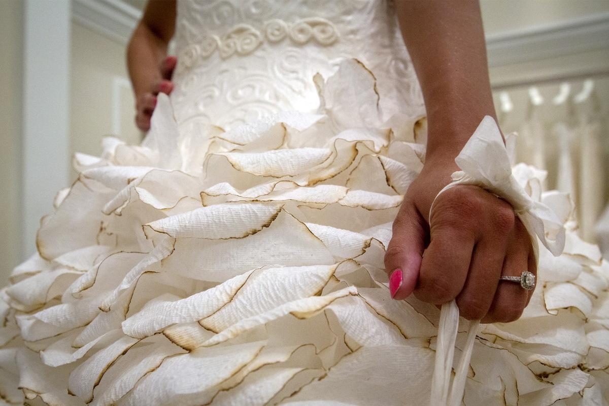 Бумажные платья своими руками фото