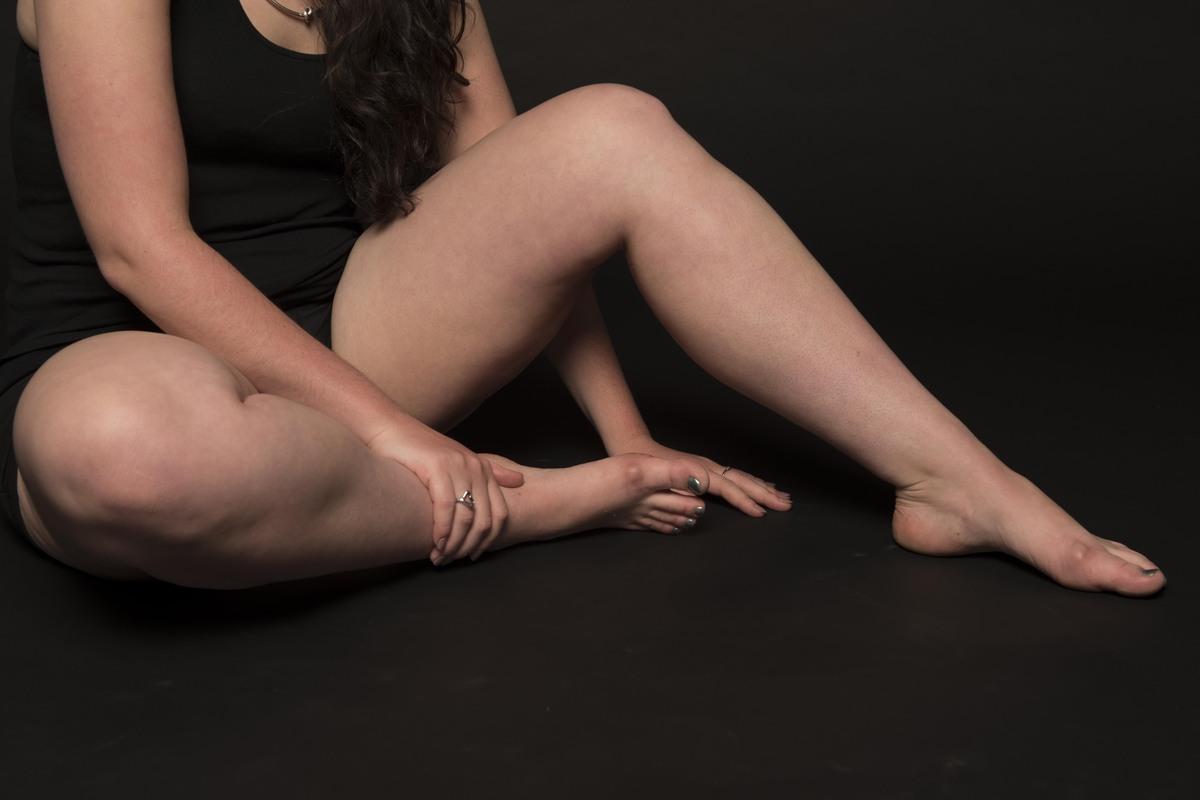 thick legged girls naked