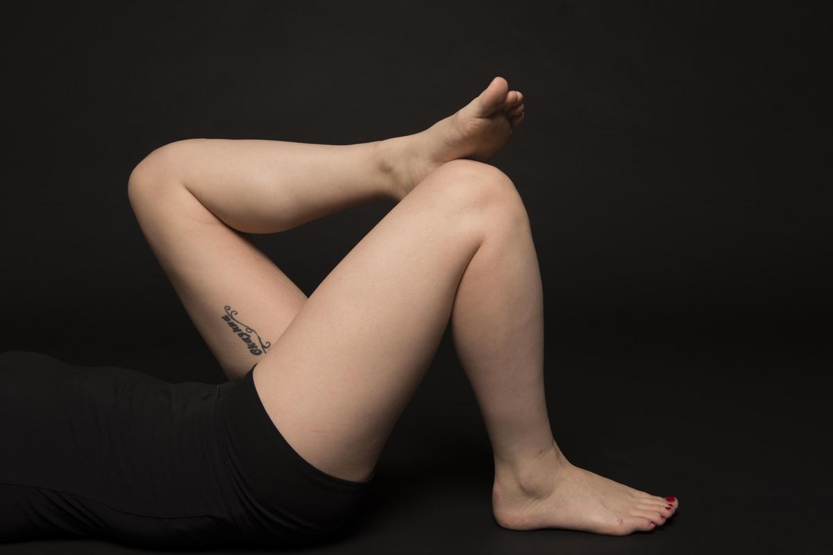 Freie Frauen in den Dreißigern nackt