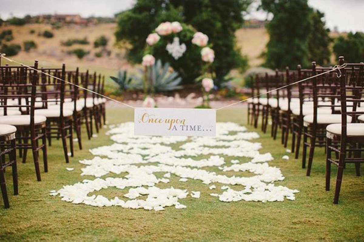 50 romantic wedding ideas that are straight out of a fairy tale