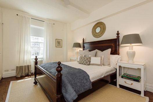 carrie bradshaw son appartement vendre pour 2 65 millions de dollars vanity fair. Black Bedroom Furniture Sets. Home Design Ideas
