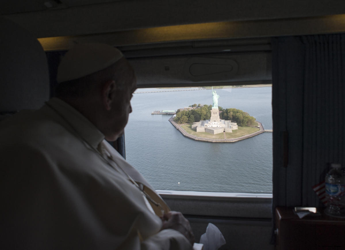 Pope views Statue of Liberty