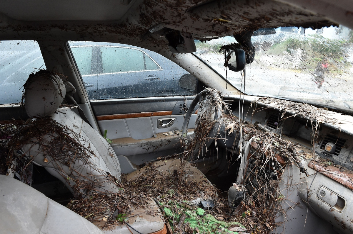 South Carolina Flooding Leaves 11 Dead Hundreds Evacuated