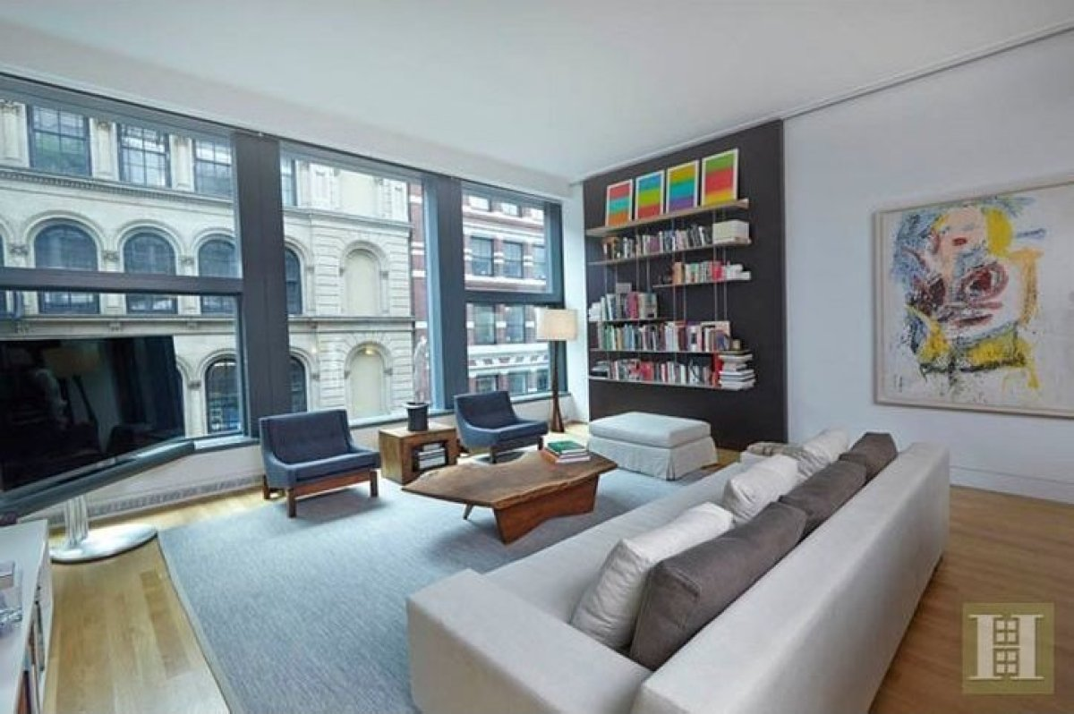 Daniel Radcliffe 39 S NYC Apartment See The Home Where Harry Parked His Bro