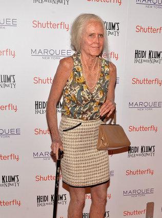Heidi Klum as an old lady