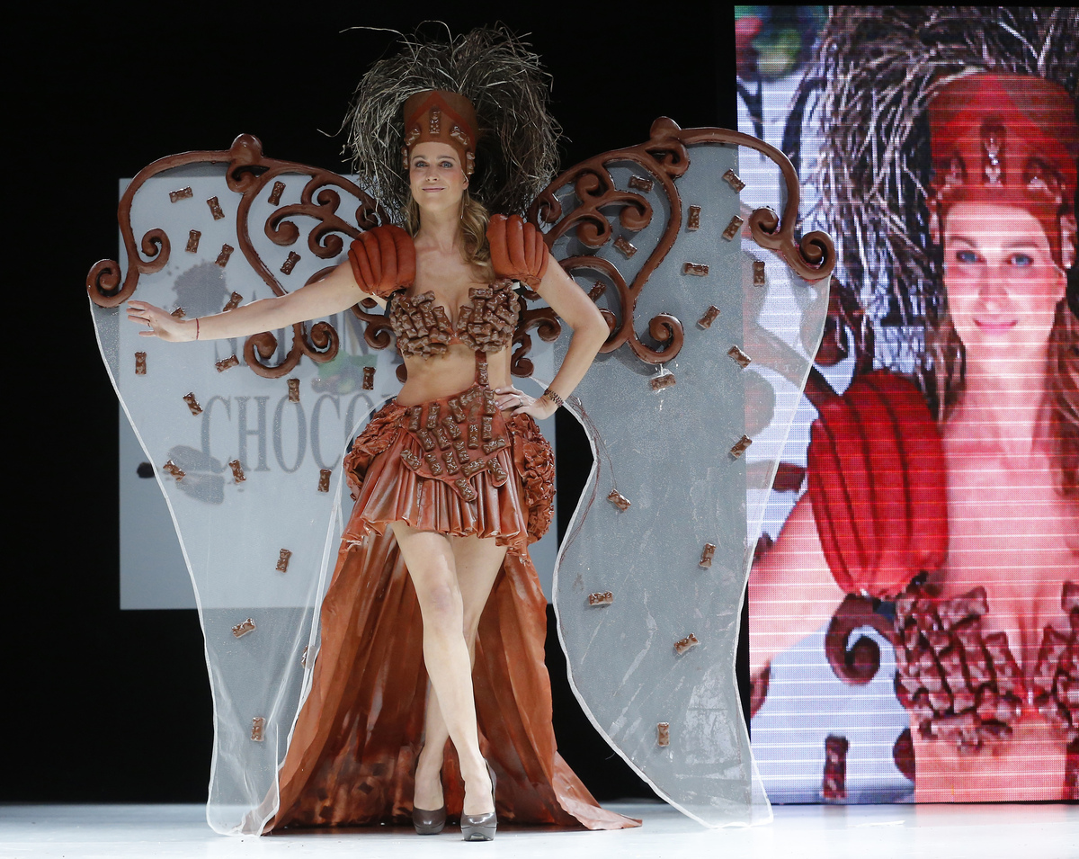 Salon Du Chocolat: Chocolate Fashion Show In Paris Sees Delicious ...