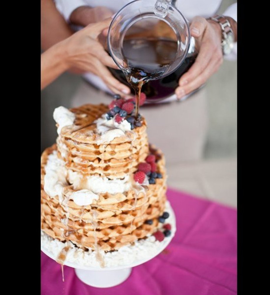 Wedding dessert ideas instead of cake for Dessert cake ideas