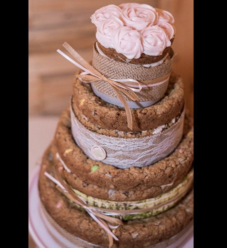 tradition behind cutting wedding cake 25 wedding desserts that are far more exciting than cake 21220