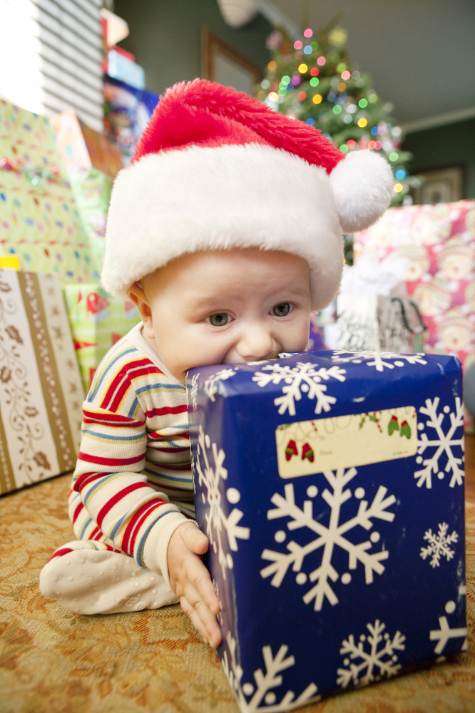 10 Things Your Baby Will Play With More Than Her Christmas ...