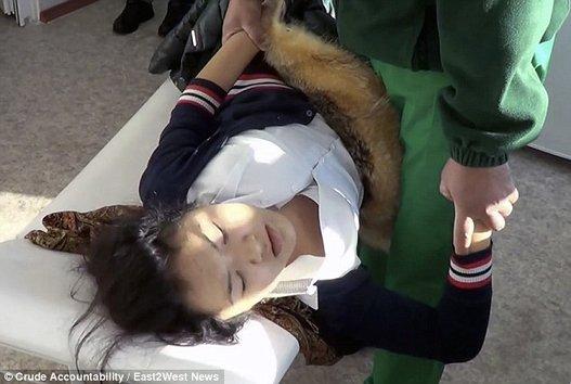 القرية الملعونة كازخستان أطفالها ينامون slide_478812_6546440_compressed.jpg