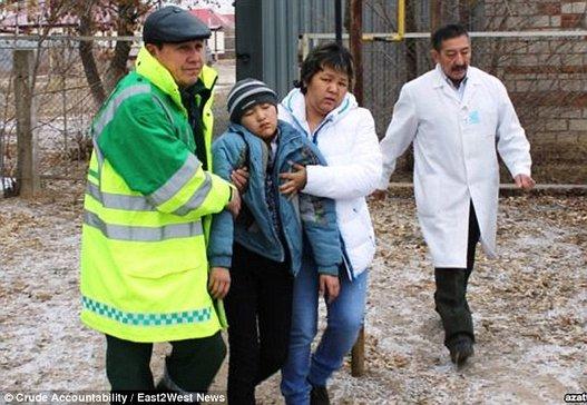 القرية الملعونة كازخستان أطفالها ينامون slide_478812_6546444_compressed.jpg