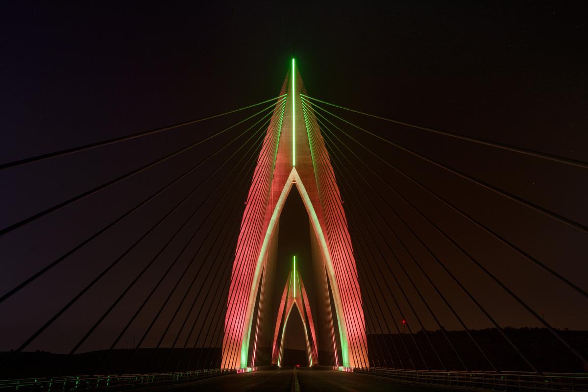 Le pont haubans de rabat illumin photos - Premier pont a haubans ...