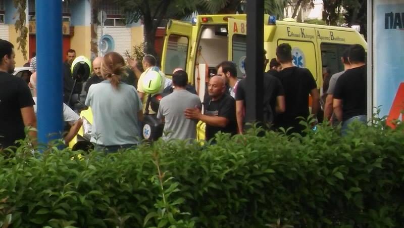 Μια νεκρή και έξι και τραυματίες στο κέντρο της Αθήνας: Περίμεναν στην στάση και τους παρέσυρε μηχανή που έκανε σούζες! (photos) Μια νεκρή και έξι και τραυματίες στο κέντρο της Αθήνας: Περίμεναν στην στάση και τους παρέσυρε μηχανή που έκανε σούζες! (photos) slide 503464 7025618 free