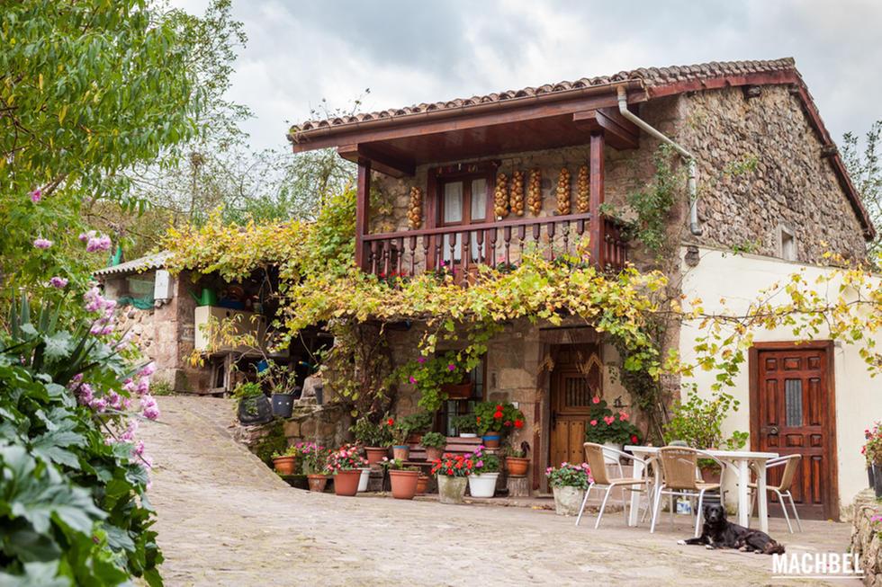 Ocho pueblos de monta a para perderse y apagar el m vil for Casas de pueblo en cantabria