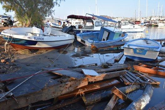 زلزال يضرب مناطق تركيا واليونان slide_522730_7376550_compressed.jpg