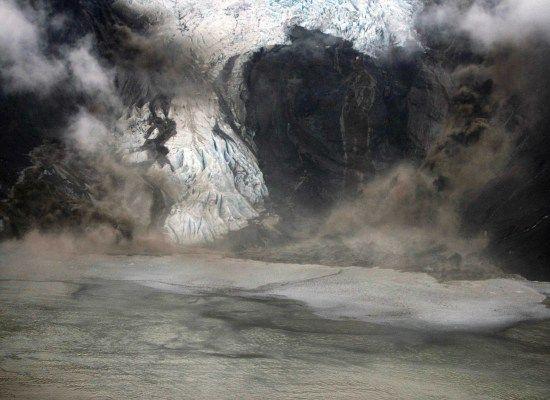 FOTO-FOTO ABU VULKANIK LETUSAN GUNUNG BERAPI Eyjafjallajökull DI ISLANDA