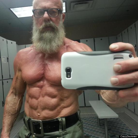 Old Bodybuilder On Reddit Shows Off His Ripped 60-Year-Old Body