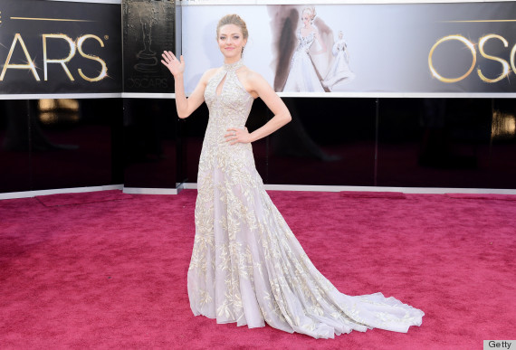 amanda seyfried oscar dress 2013 see her red carpet look
