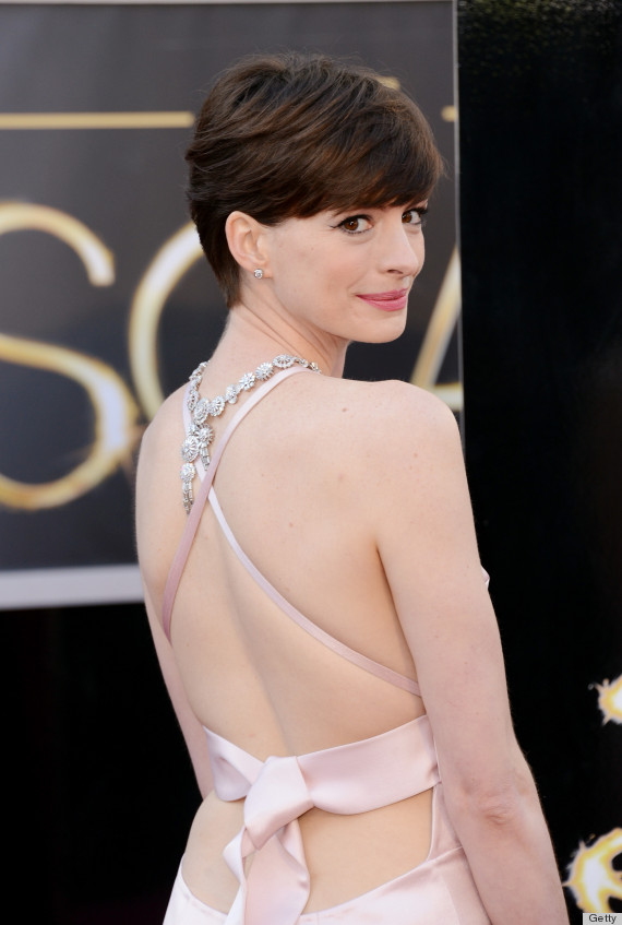 anne hathaway oscar dress 2013 see her red carpet look