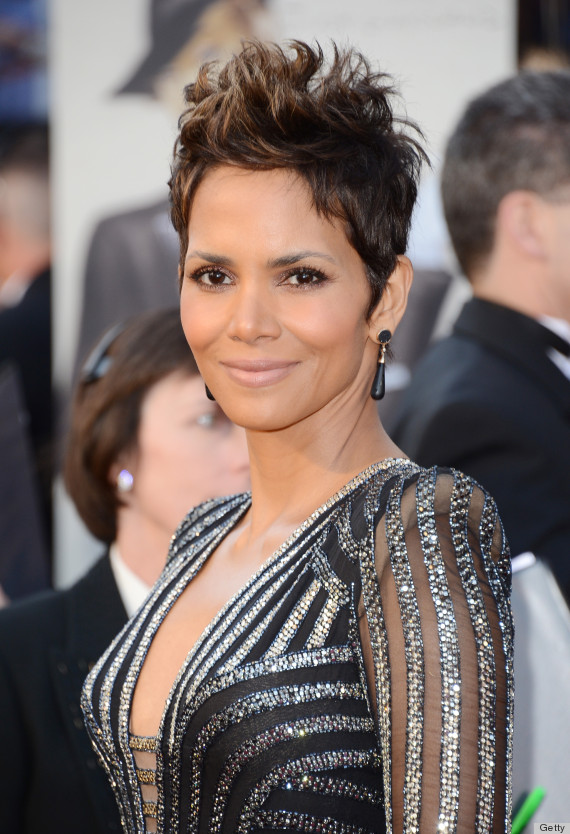 Halle Berry Oscar Dress 2013: See Her Red Carpet Look! (PHOTOS ... Halle Berry