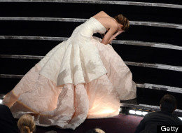 OSCARS 2013: Jennifer Lawrence Trips Up For Best Actress, Daniel Day-Lewis Is A Hoot