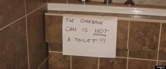 19 Funny Bathroom Signs PHOTOS