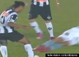 Ronaldinho Tackle