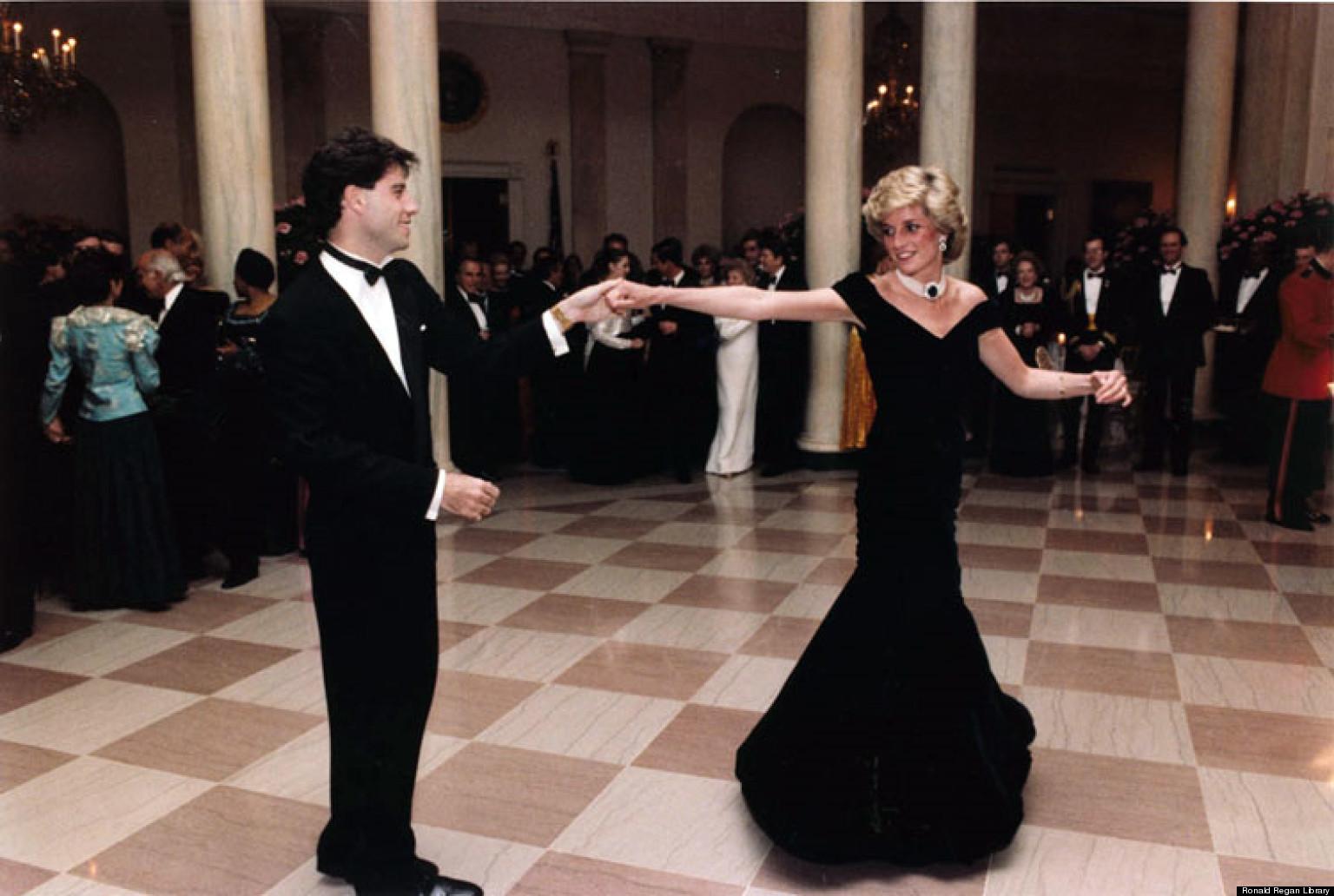 Танцует и отдается 24 фотография