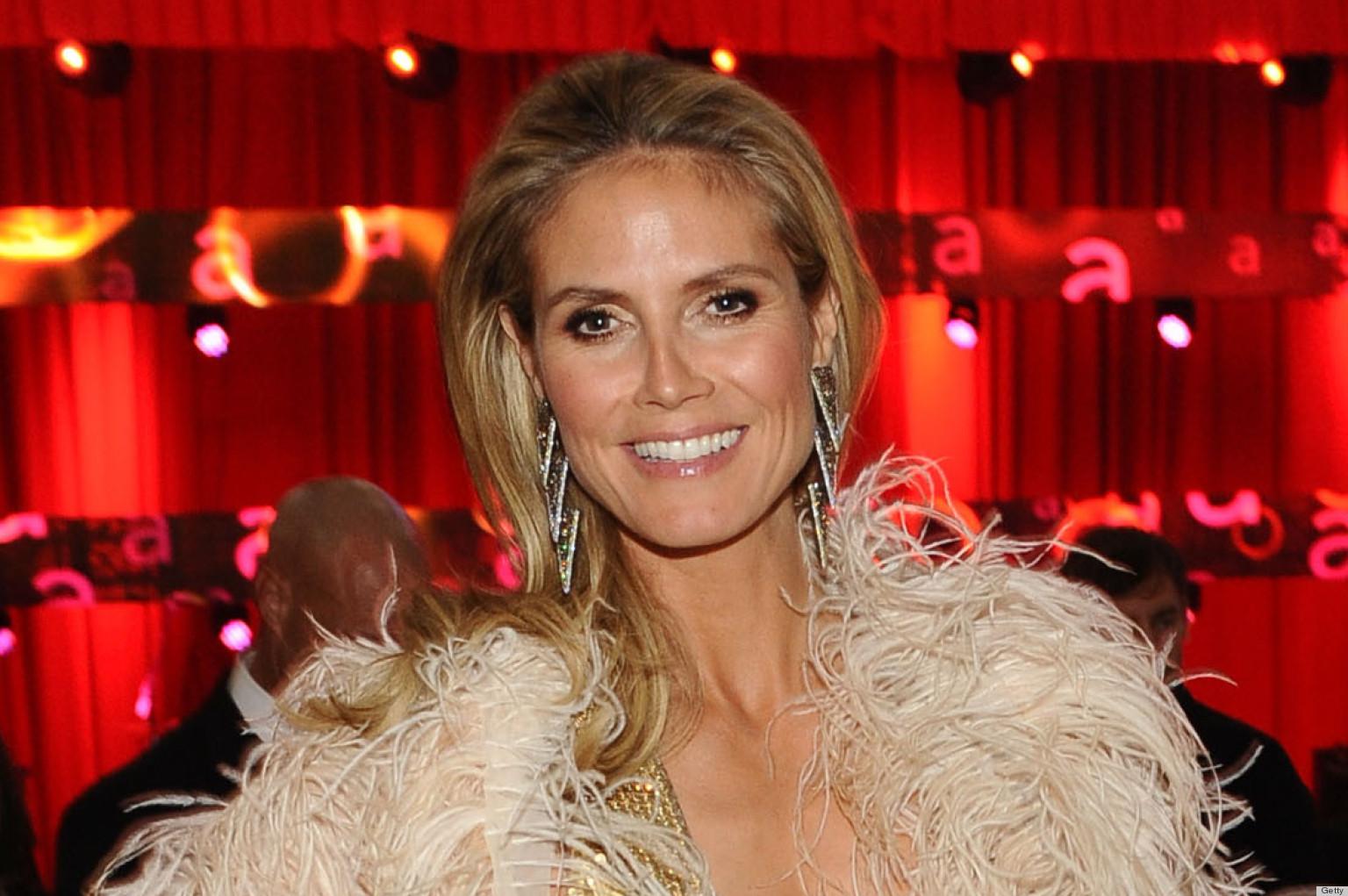 Carrie Underwoods Silver Leggings Top This Weeks Worst