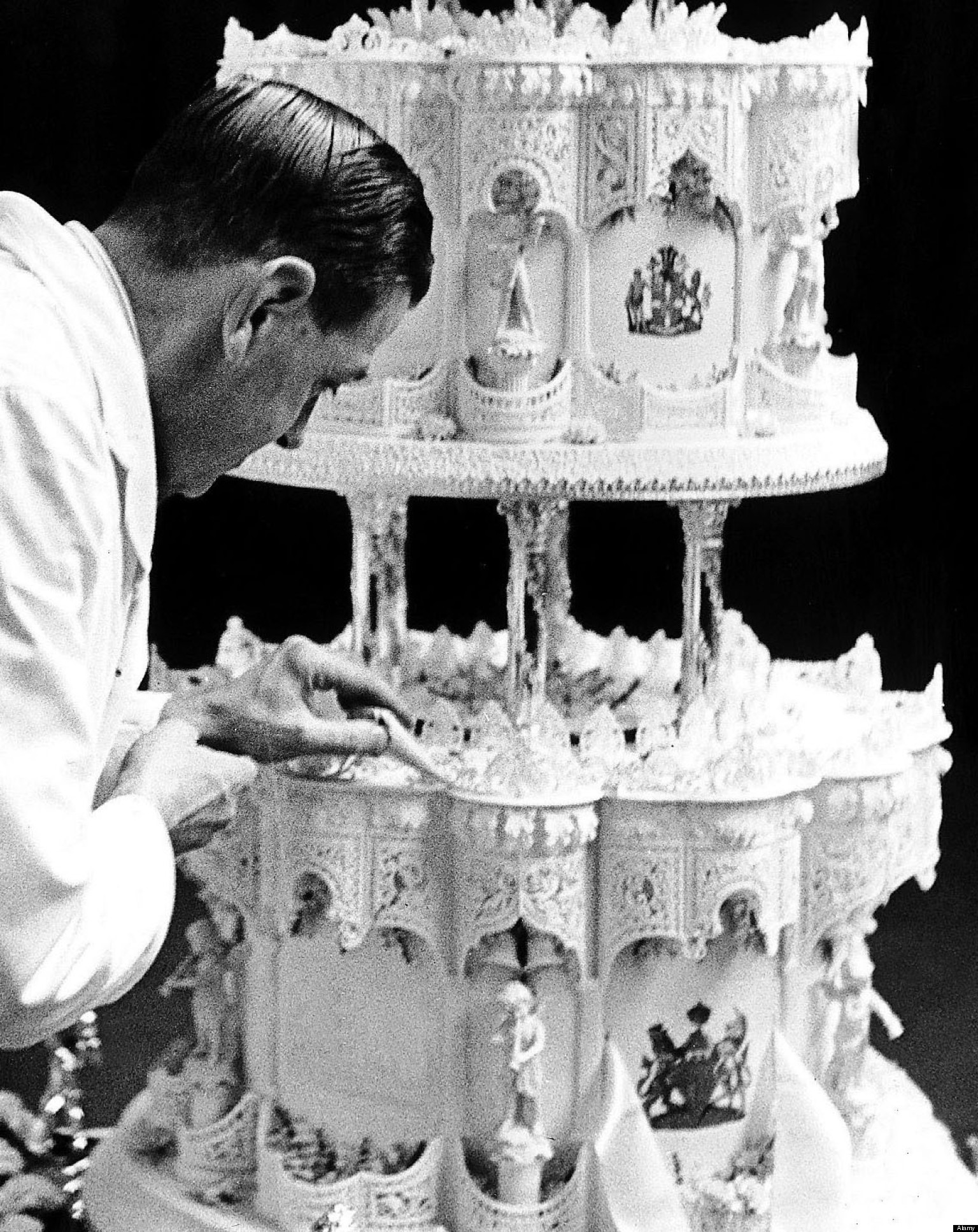Elizabeth Ii Wedding Cake When Served