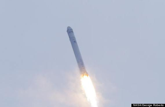 spacexdragonfalcon9launchascent