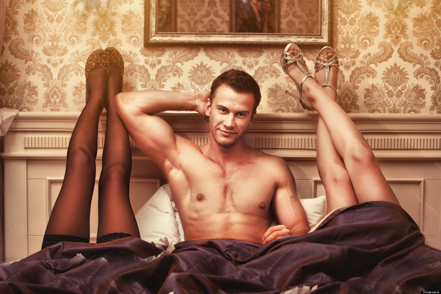 Сексуальная девушка с двумя мужчинами 7 фотография