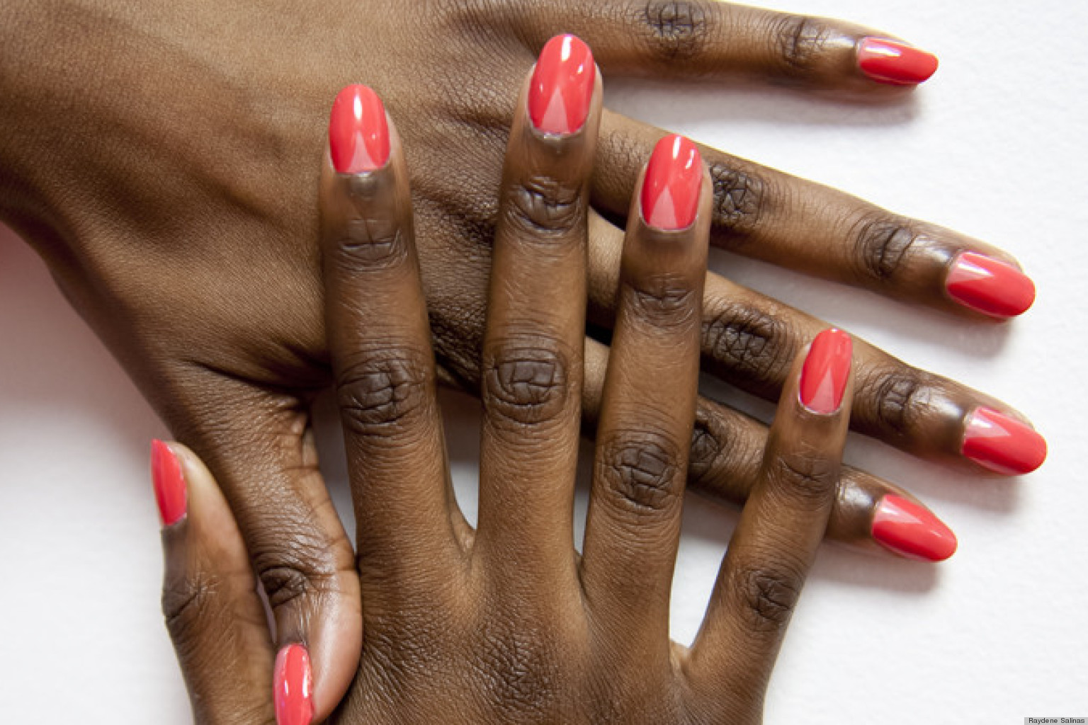 Bildresultat för red nails on a black woman