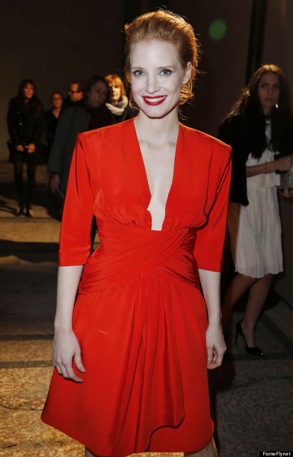 jessica chastain flaunts cleavage