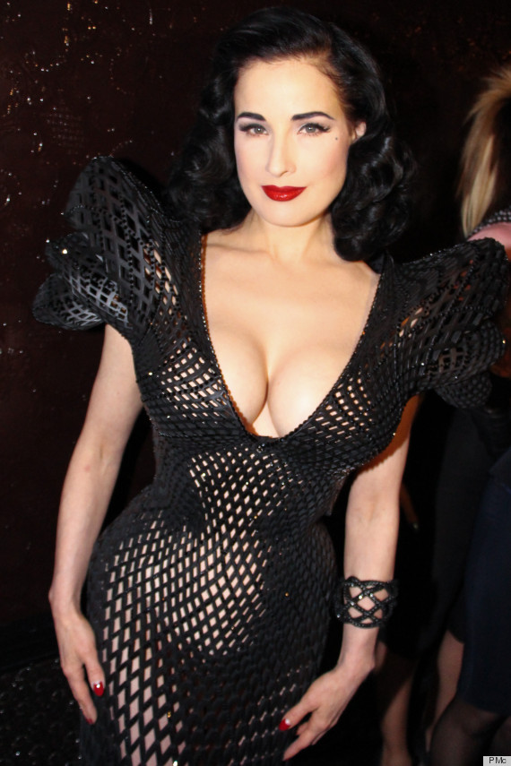 Outstanding Dita Von Teese's 3D Dress Was Made On A Printer (PHOTOS) 570 x 855 · 165 kB · jpeg