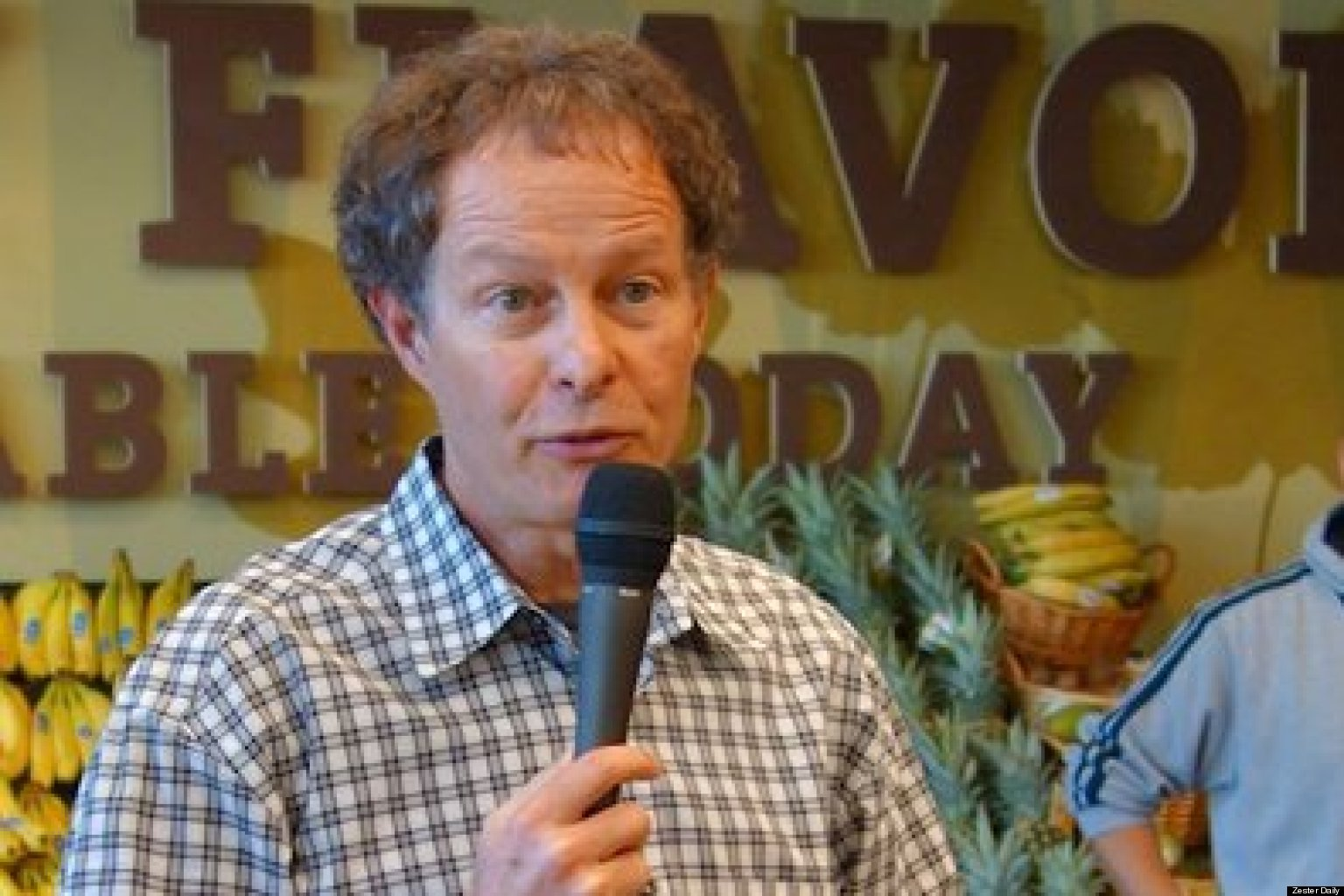 whole foods market what is mackey s leadership style Whole foods market is eliminating its dual-ceo leadership structure at the end of the year, leaving co-founder john mackey alone atop the struggling grocery chain.