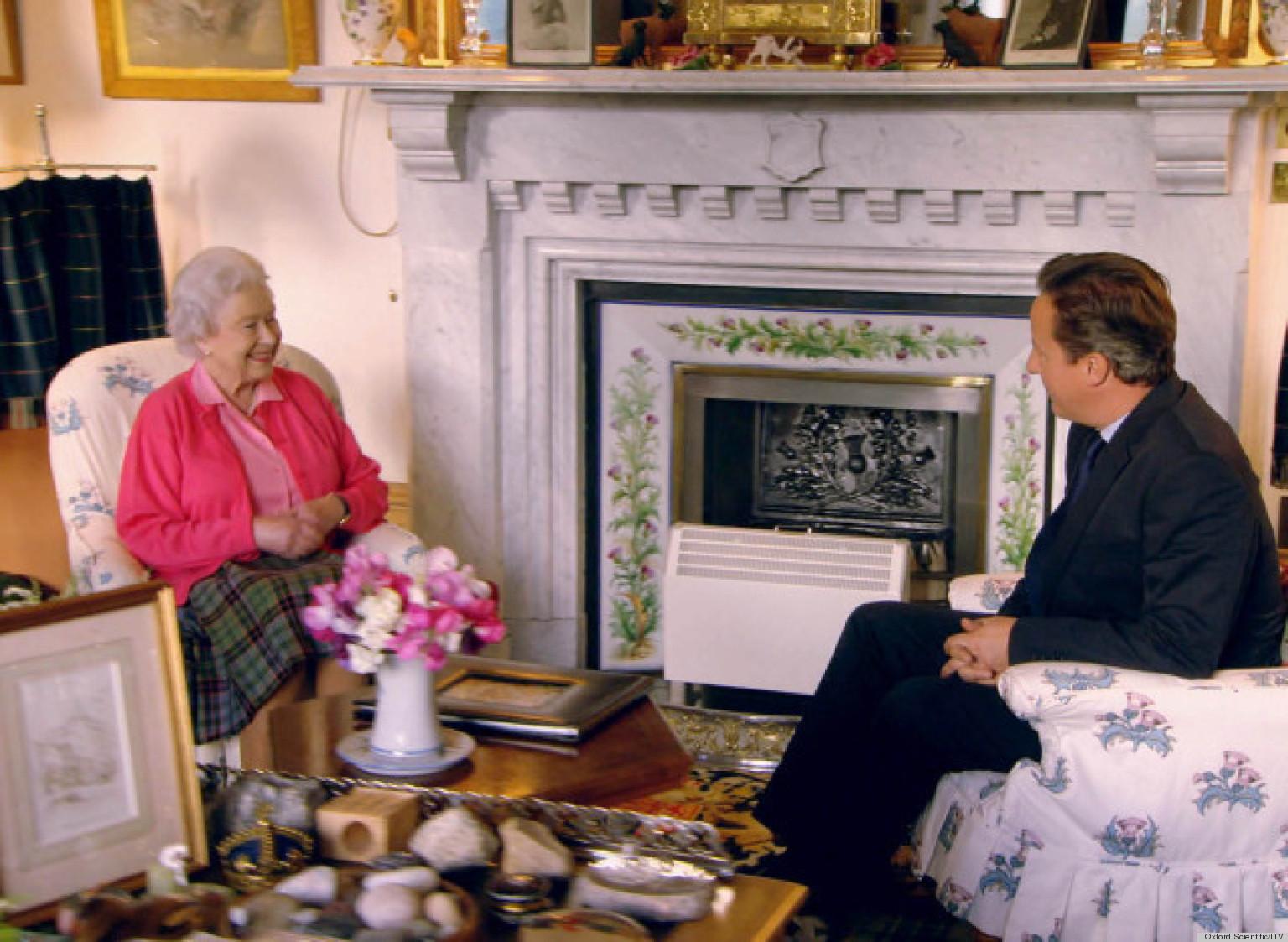 Queen Elizabeth Ii S Private Sitting Room In Balmoral