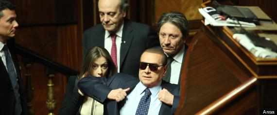 SILVIO BERLUSCONI OCCHIALI