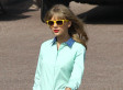 Taylor Swift's Legs Look Amazing In Short Shorts (PHOTOS)