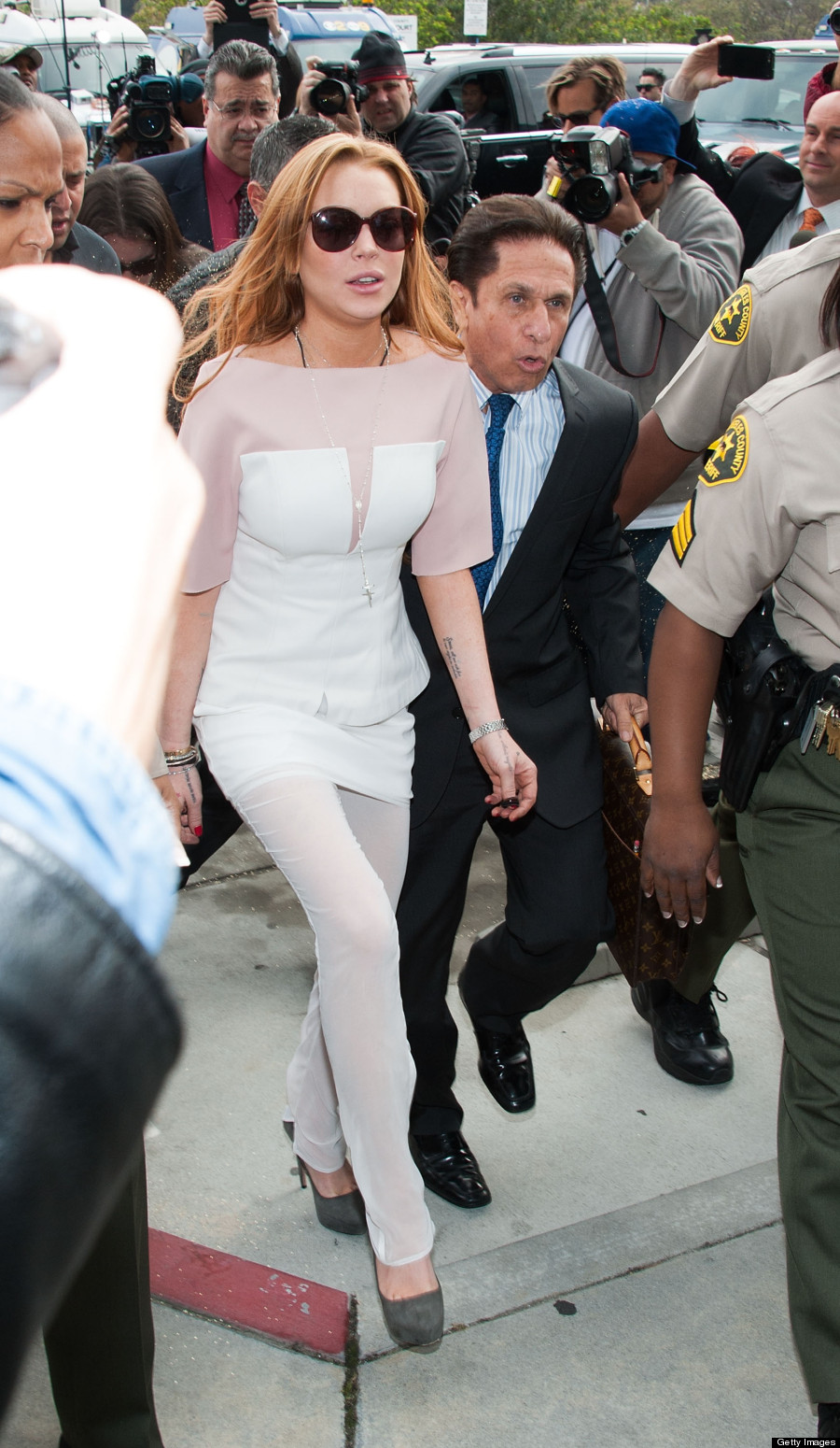 Lindsay Lohan Wears White Dress To Court In Santa Monica (PHOTO)
