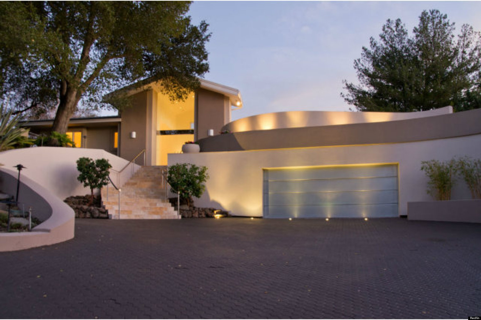 Steve wozniak 39 s former home hits the market photos for Modern homes jobs