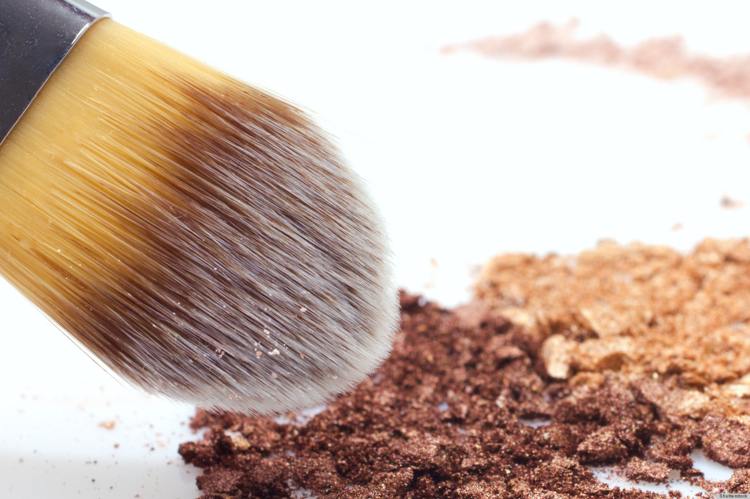 how mineral makeup can give you a flawless complexion video huffpost. Black Bedroom Furniture Sets. Home Design Ideas