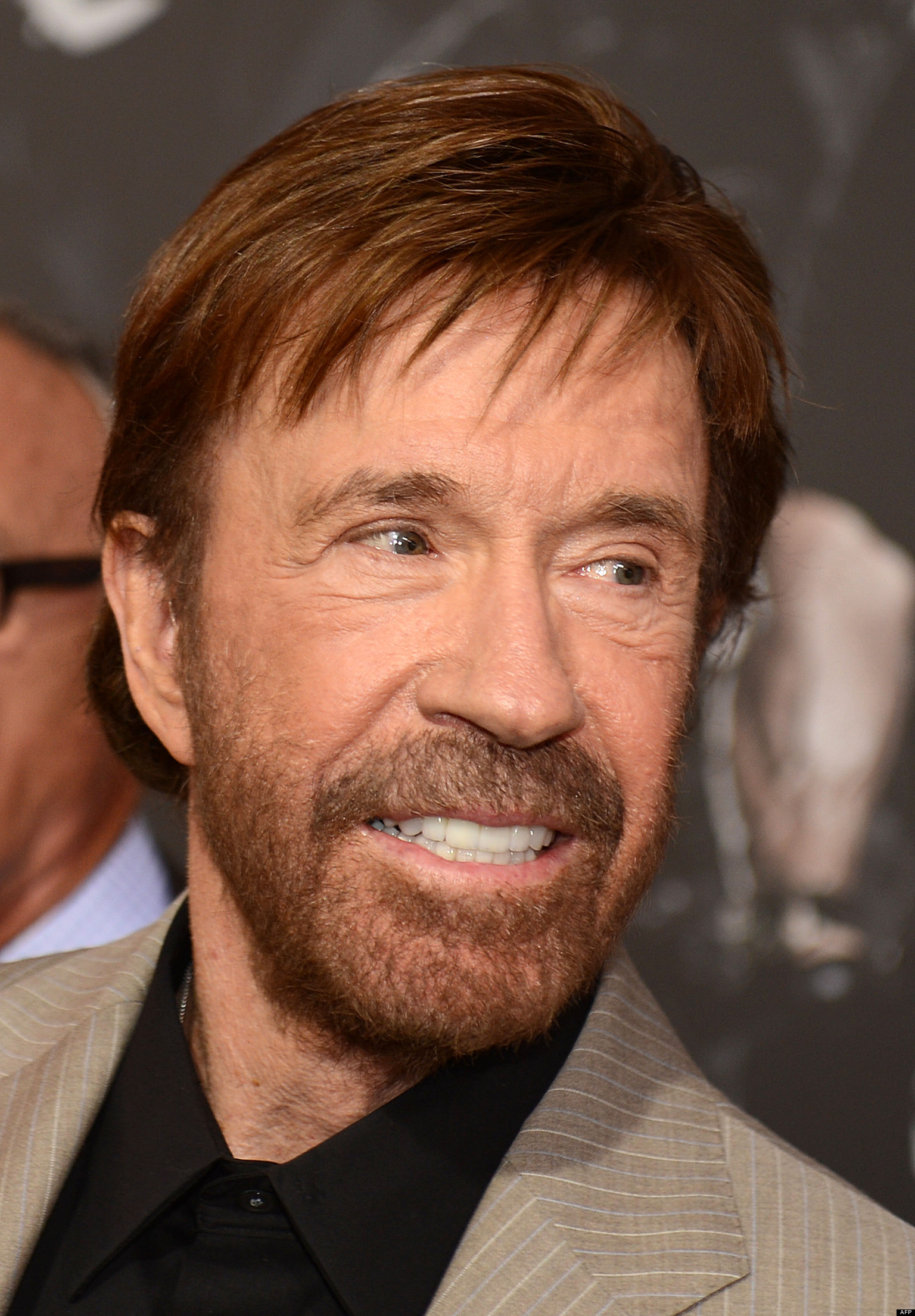 Chuck Norris, sin barb...