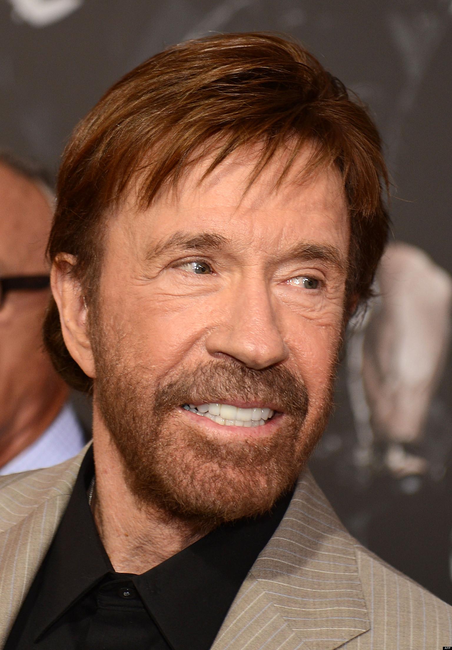 Chuck Norris, sin barb...