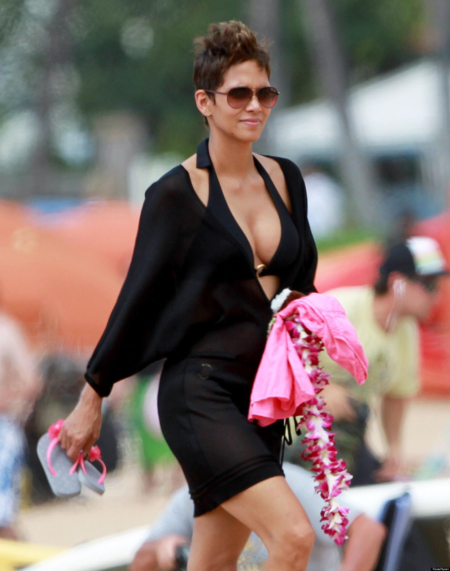 Bikinis que te dejaron boquiabierto - Halle Berry