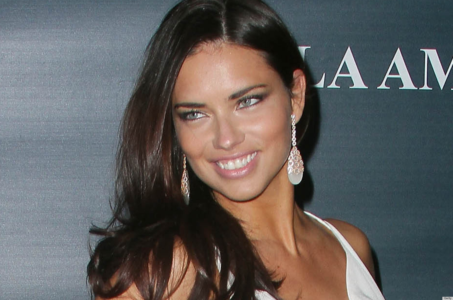 Adriana Lima earned a 2 million dollar salary, leaving the net worth at 60 million in 2017