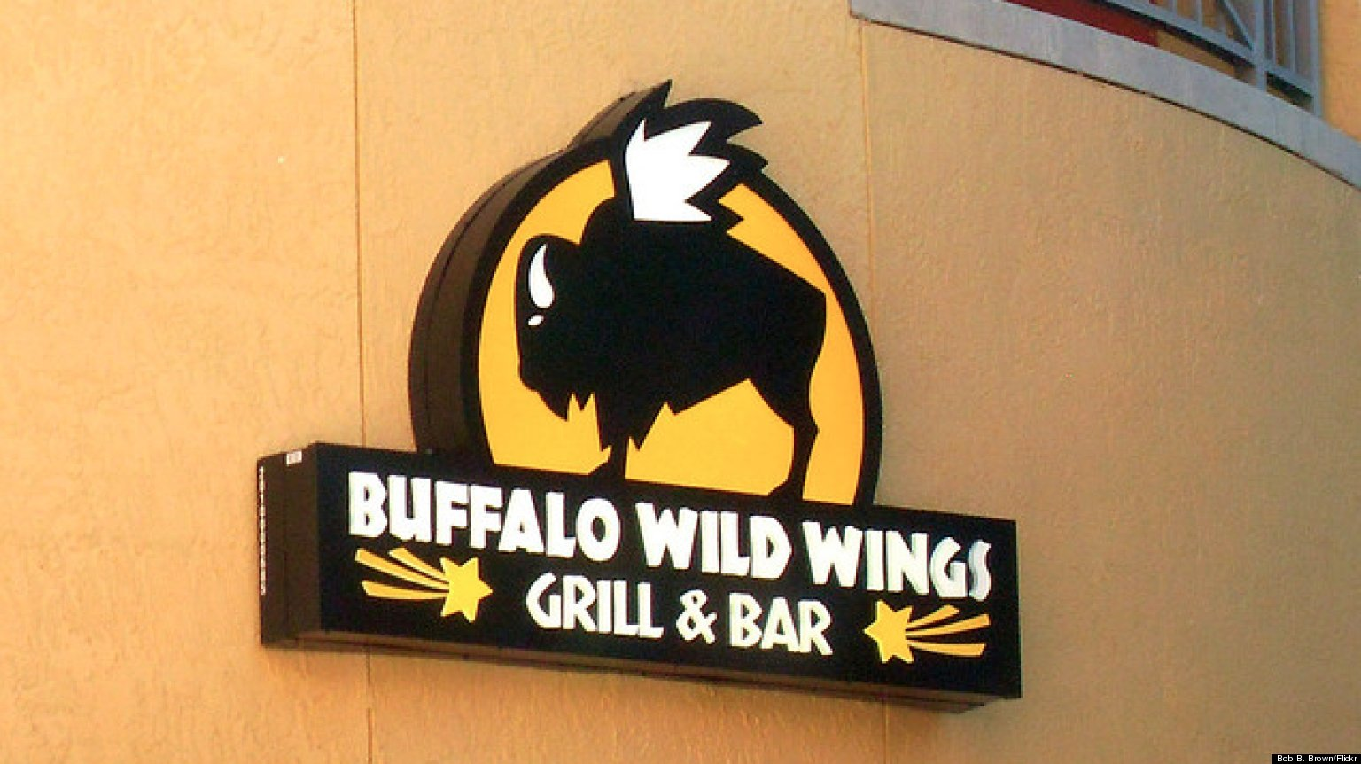 buffalo wild wings restaurant refuses to serve police officers because of their guns huffpost. Black Bedroom Furniture Sets. Home Design Ideas
