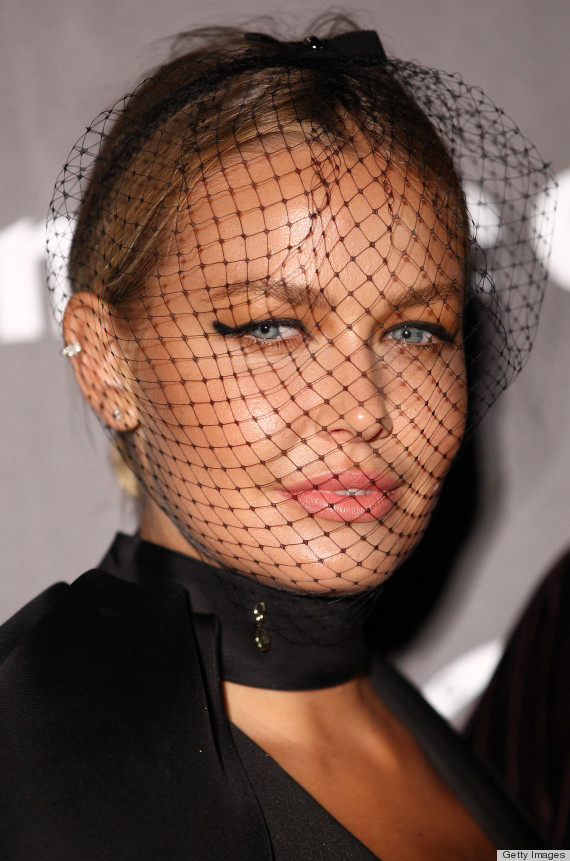 Dior Veil From Jennifer Lawrence S Ads Put To Test By Lara