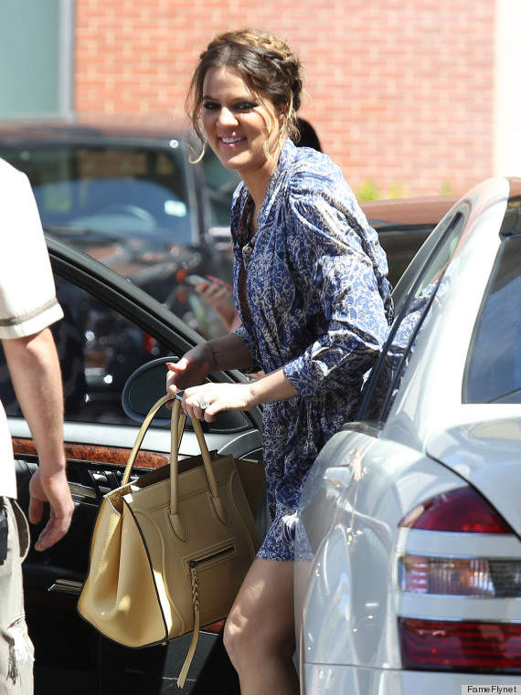 khloe kardashian wardrobe malfunction