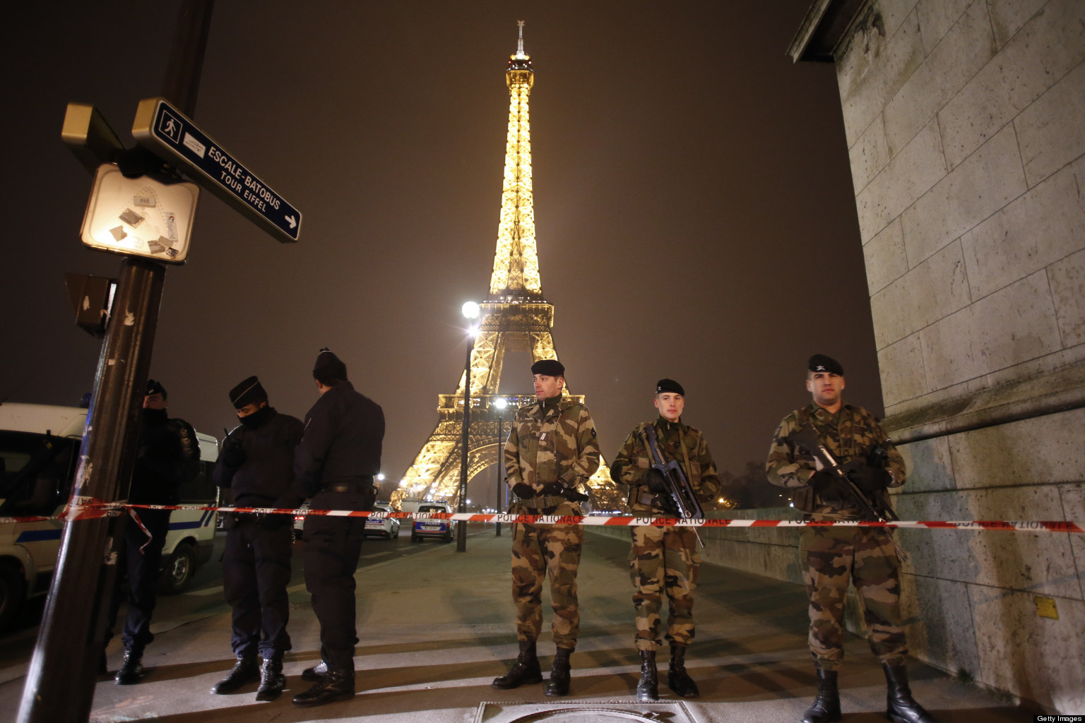 Eiffel Tower Bomb Threat Forces Evacuation